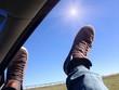 Füße aus Fenster
