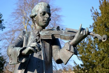 A statue of Mozart from Bath