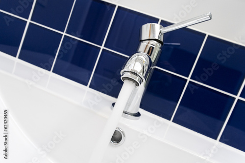 Chrome Sink Faucet with Running Water
