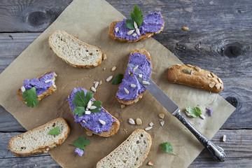 bruschetta crunch with purple cabbage cream and sunflower seeds
