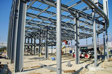 bâtiment industriel en construction