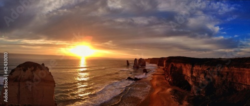 sunset on the 12 apostles