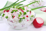 Cottage cheese with radish and chives