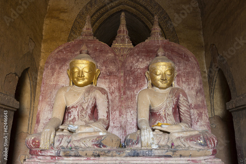 The side by side buddhas inside Dhammayangyi temple, Bagan