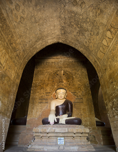 Buddha images and paintings inside Thambula Pahto temple, Bagan