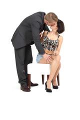 Mann verführt Frau