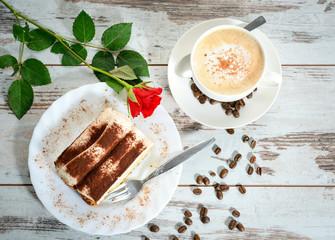Tiramisu und Cappuccino