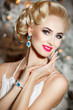 canvas print picture - Beautiful blonde woman with retro makeup and hairstyle, luxury
