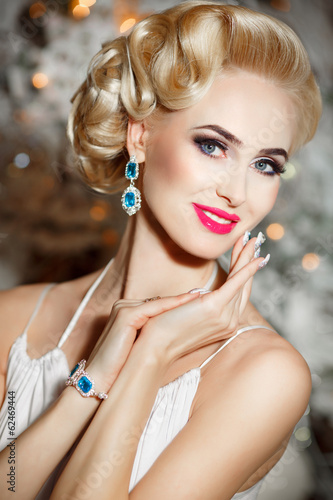canvas print picture Beautiful blonde woman with retro makeup and hairstyle, luxury