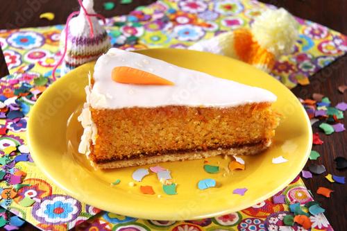 party mit möhrenkuchen