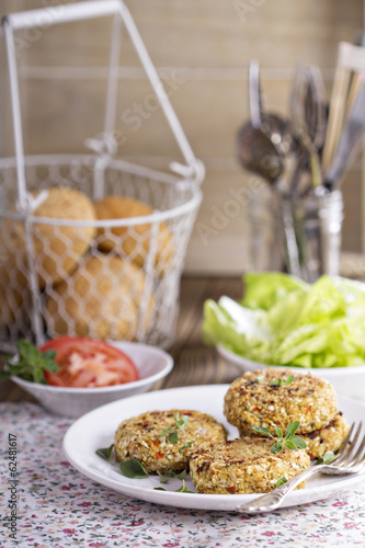 Vegan burgers with cauliflower