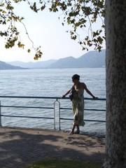 donna al lago