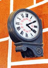 Old horloge de la station de chemin de fer