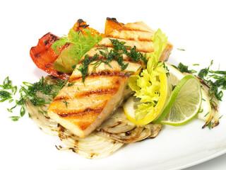 Lachsfilet und Gemüse von Grill