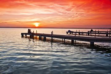 los embarcaderos del lago © kesipun