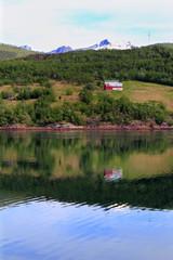 Holandsfjord farm mirroring