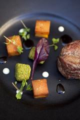 Pavé de bœuf, dés de légumes et légumes panés