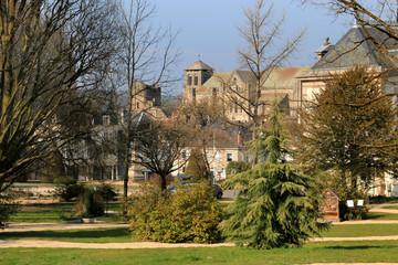 Mairie et parc de Saint-Yrieix.