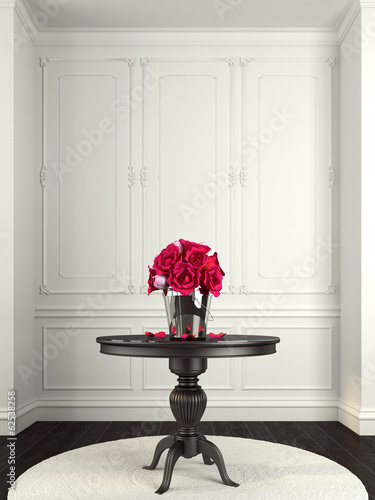 Bouquet of pink roses on the table