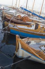 Piccole imbarcazioni in legno