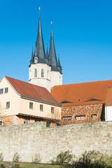 Jacobikirche Mühlhausen Thüringen mit Stadtmauer