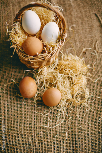 Eggs on hessian