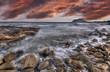 la playa de rocas. hdr