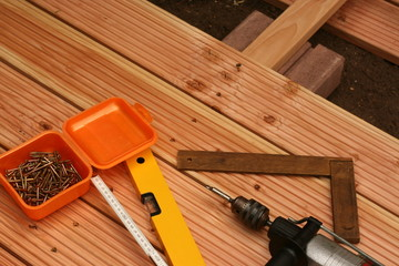 Werkzeug auf dem Holzboden