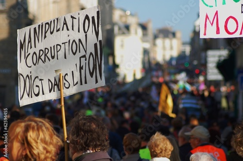 Leinwanddruck Bild Contre la corruption