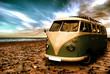 Strand mit altem Camper - 62598066