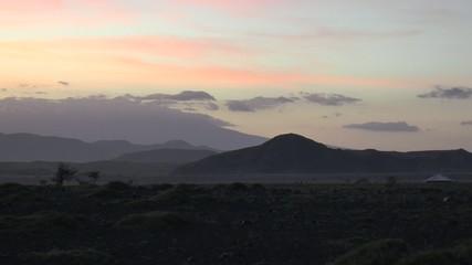 hutte masaï à l'aube