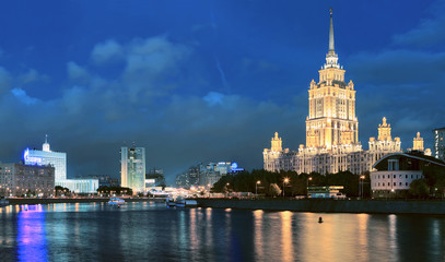 Moscow River. Hotel Ukraine. night