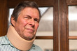 Portrait eines Seniors mit Halskrause