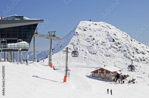 Modern cableway in ski resort Jasna - Low Tatras mountains, Slov © Jaroslav Moravcik