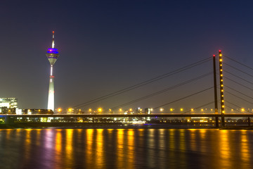 duesseldorf rheinknie bridge at night