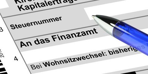 Finanzamt - Einkommensteuer mit Kugelschreiber - g627