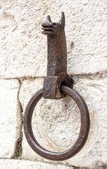 Antico anello per cavalli