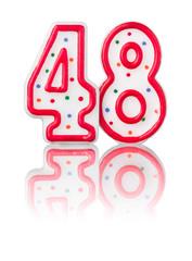Rote Nummer 48 mit Reflexion