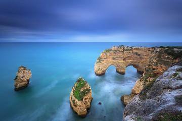 Praia da Marinha é a principal praia do Algarve