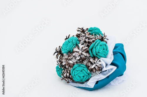 bouquet of the bride of artificial flowers