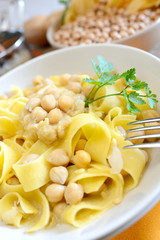 tagliatelle and chickpeas