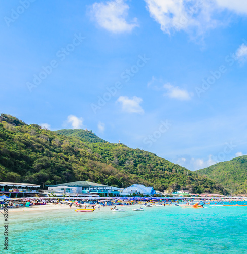 koh larn island tropical beach in pattaya city Thailand