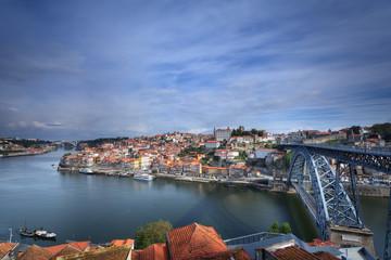 Panoramica para a Cidade do porto e o seu Rio Douro