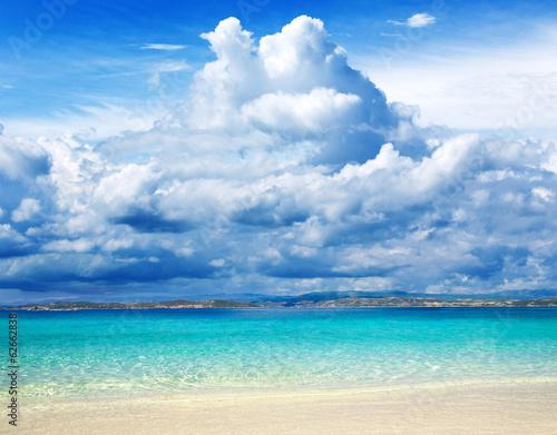 beach © Pakhnyushchyy