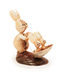 hares figurines made ​​of shells