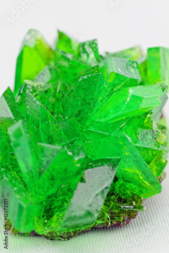 crystal macro photo in emerald color - 62673081
