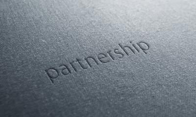 jeans text partnership