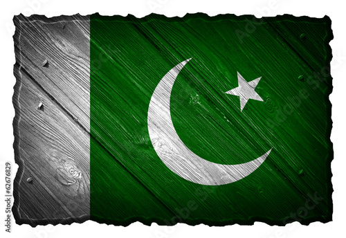 Pakistan flag painted on wooden tag