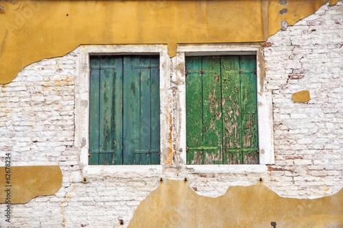 vecchie finestre - 62678234