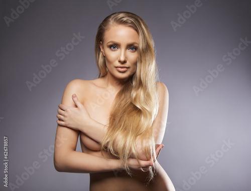 жінки голі фото